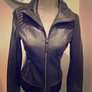 😎Genuine Mackage/Aritzia Black Leather S-Jacket